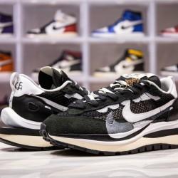 H12 BATCH Sacai x Nike VaporWaffle Black White CV1363 001